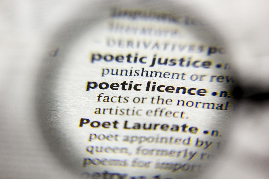 Zoomed in phrase Poetic license in a dictionary.