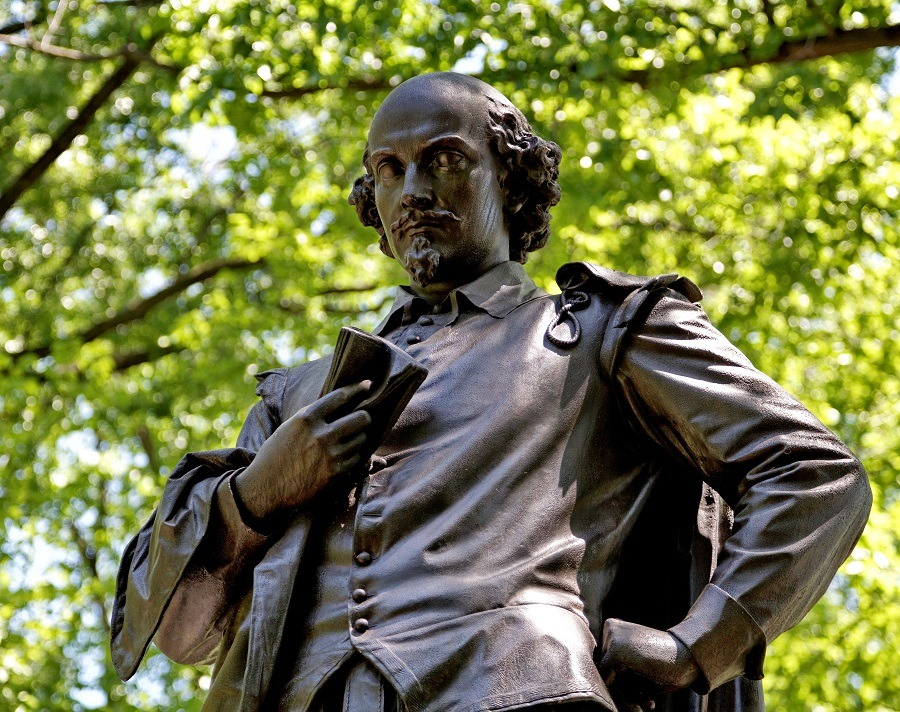 Statue of the famous English poet William Shakespeare in Central Park, New York.